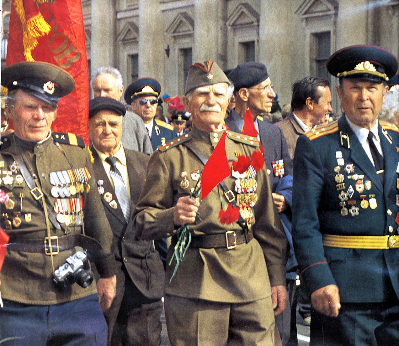 skachat-pesnyu-veteranam-minuvshey-voyni